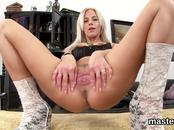 Wicked czech kitten gapes her tight twat to the peculiar